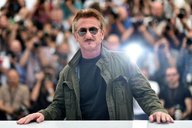 "Sean Penn réalisera et jouera dans ""Flag Day"" avec son fils et sa fille |  We Love Cinema"